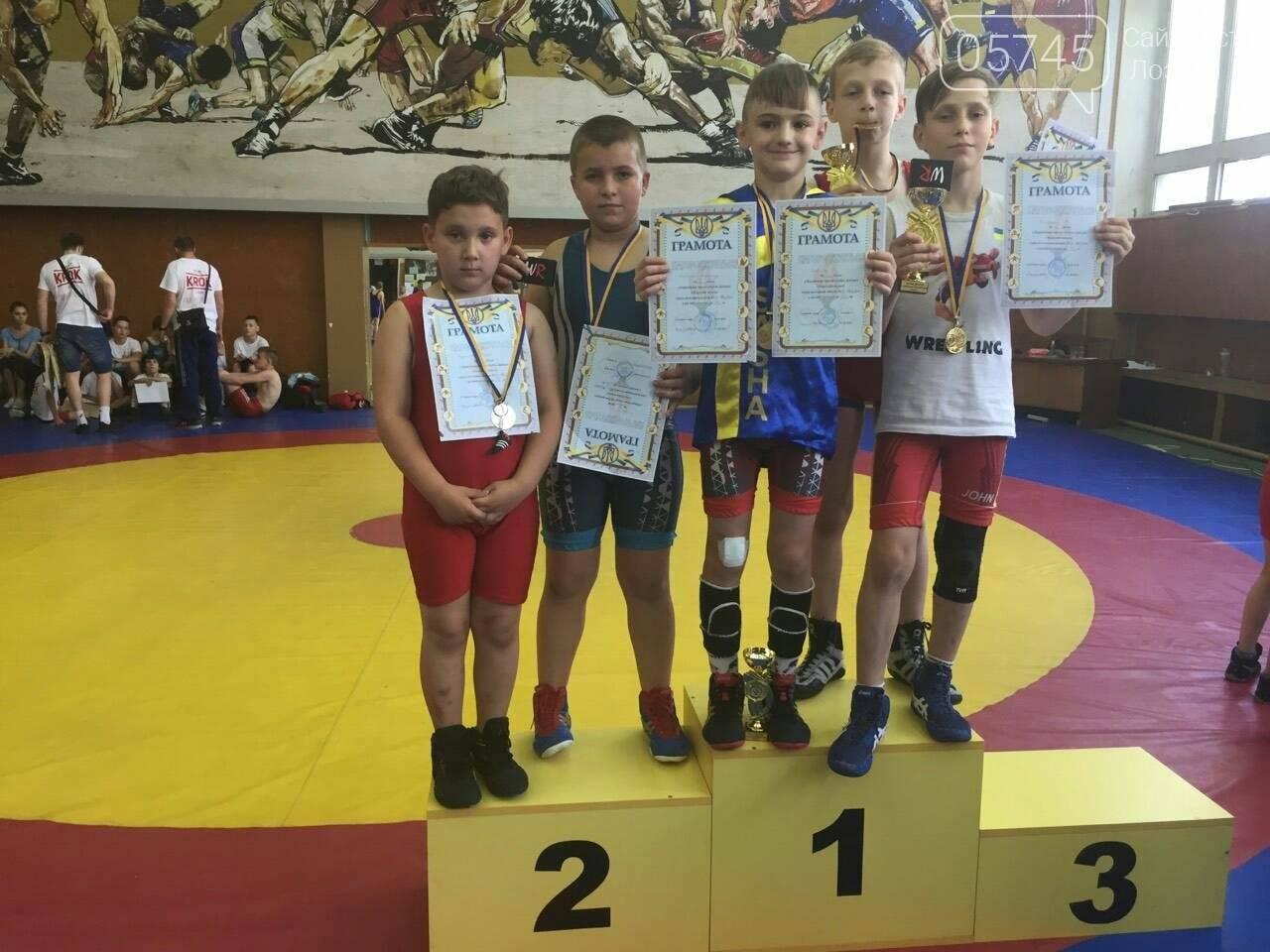Лозовчане заняли призовые места в турнире по вольной борьбе , фото-1