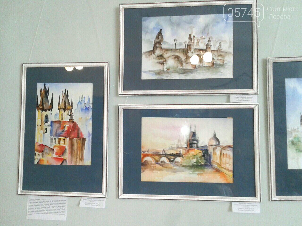 В Лозовском музее открылась первая выставка учениц художественной школы, фото-7