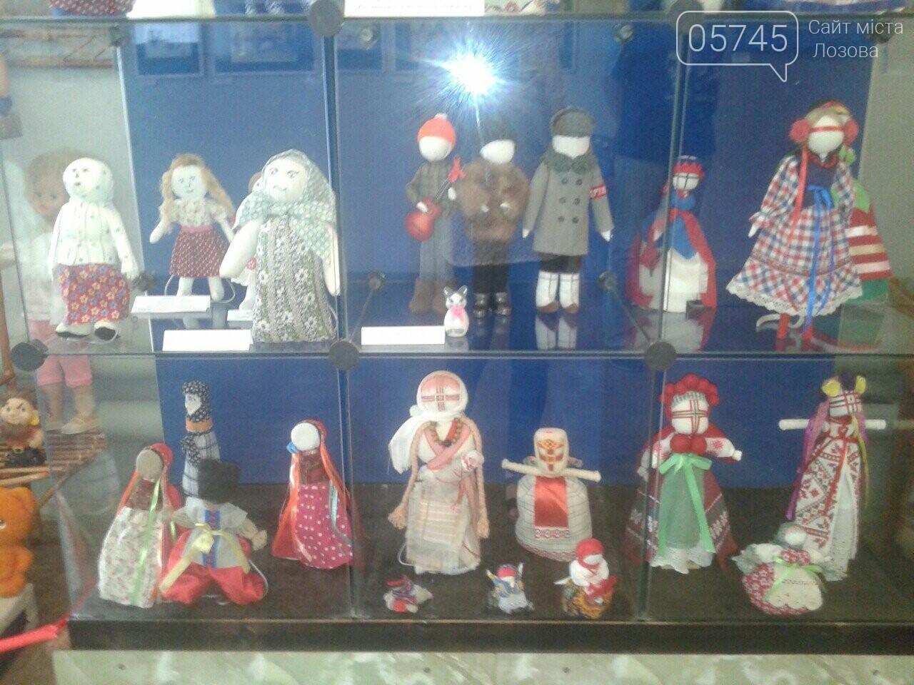 В Лозовском музее проходит выставка раритетных игрушек, фото-5