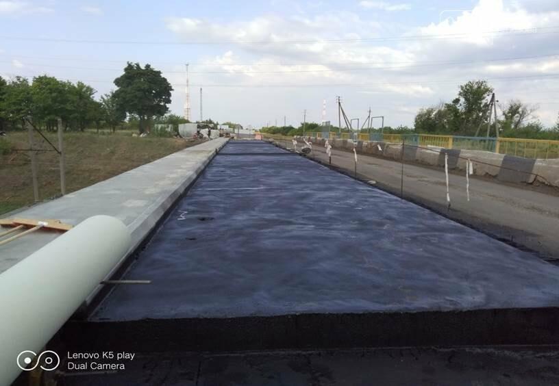 На Лозовщине продолжается ремонт мостов. Укрепляют опоры и пролетные сооружения, фото-6