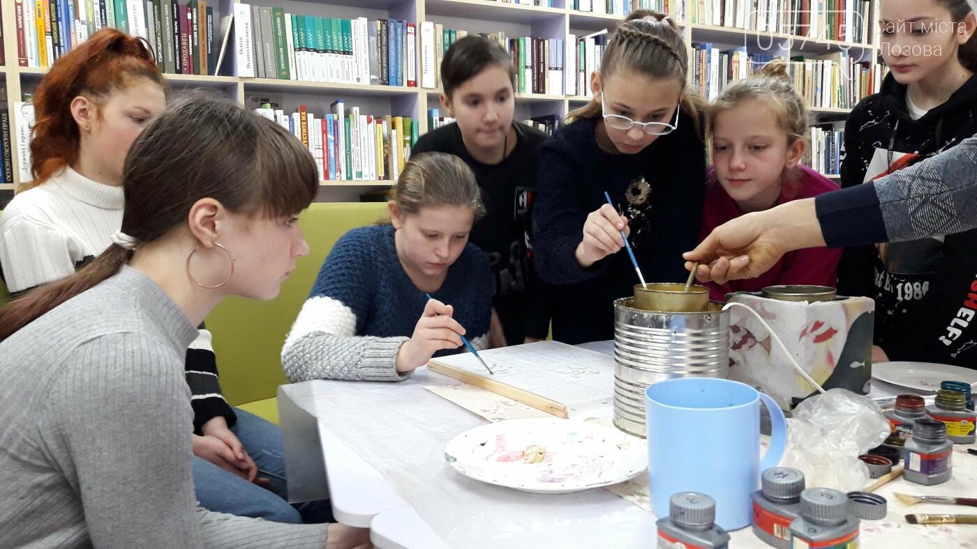 В детской библиотеке учили рисовать по ткани методом «Горячий батик», фото-7