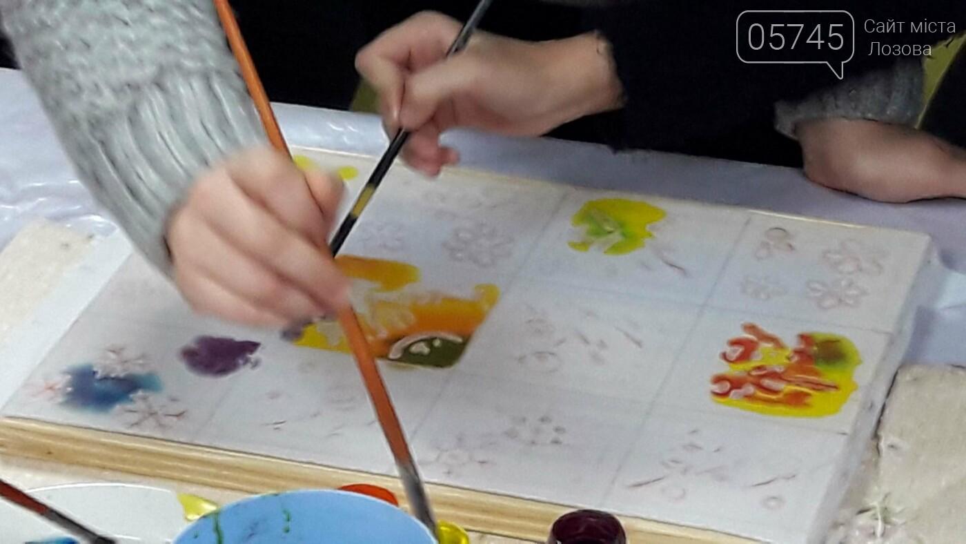 В детской библиотеке учили рисовать по ткани методом «Горячий батик», фото-13