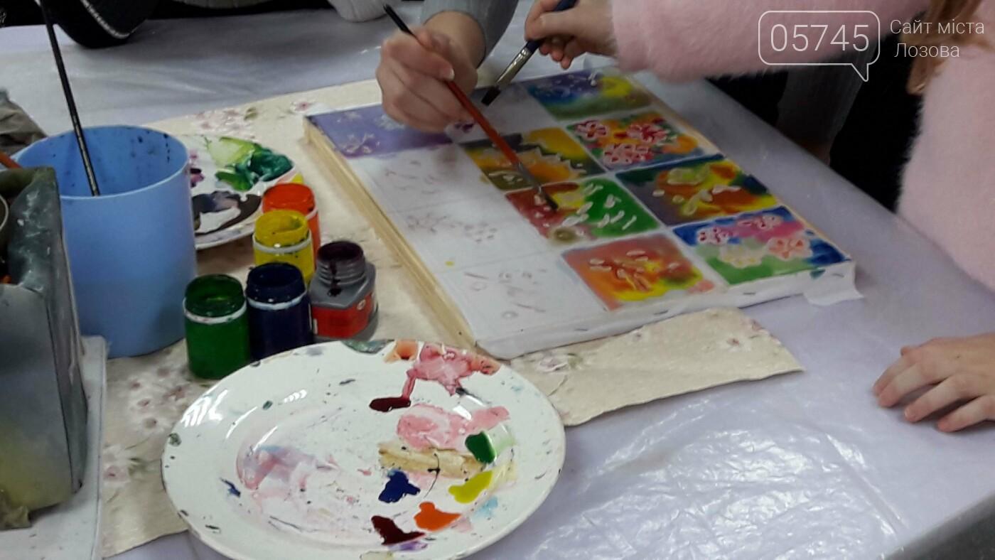 В детской библиотеке учили рисовать по ткани методом «Горячий батик», фото-16
