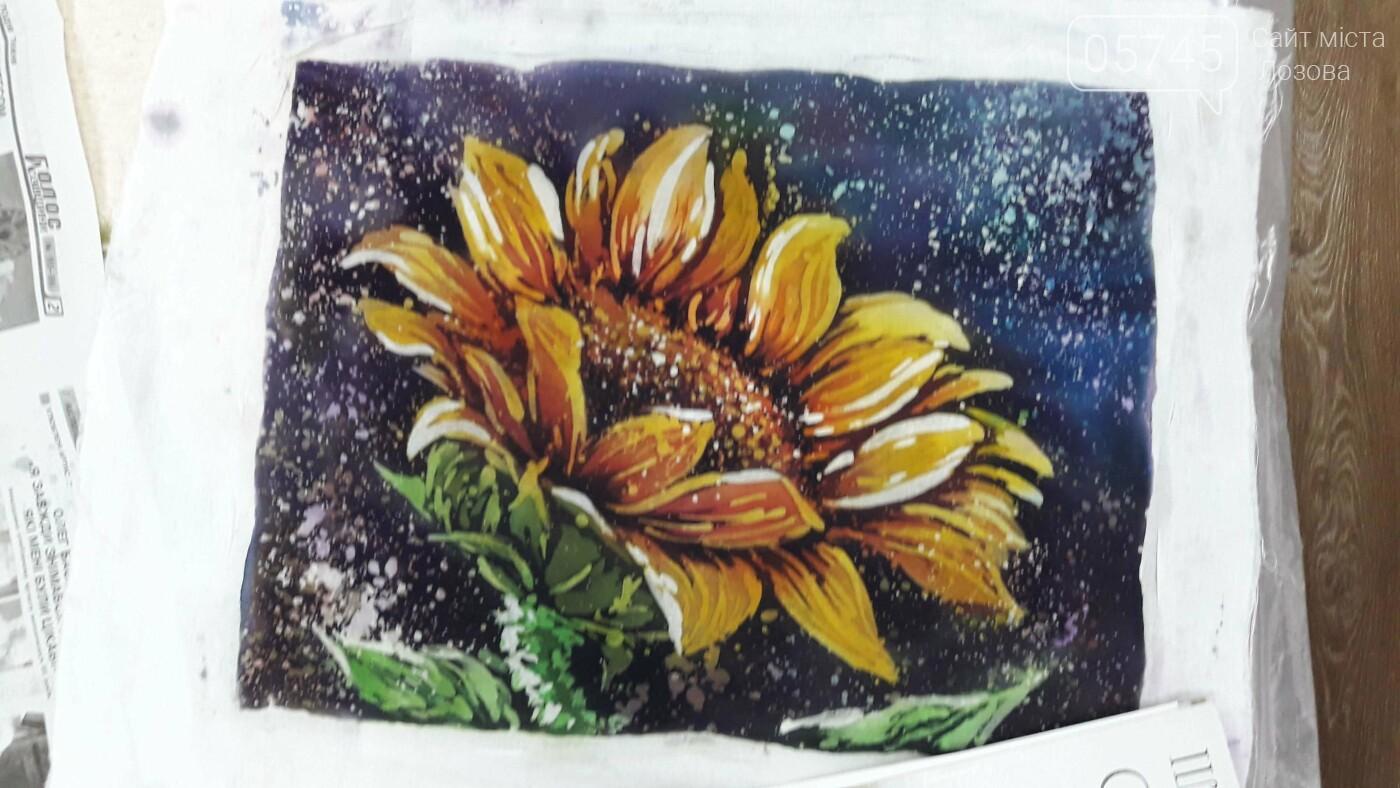 В детской библиотеке учили рисовать по ткани методом «Горячий батик», фото-21