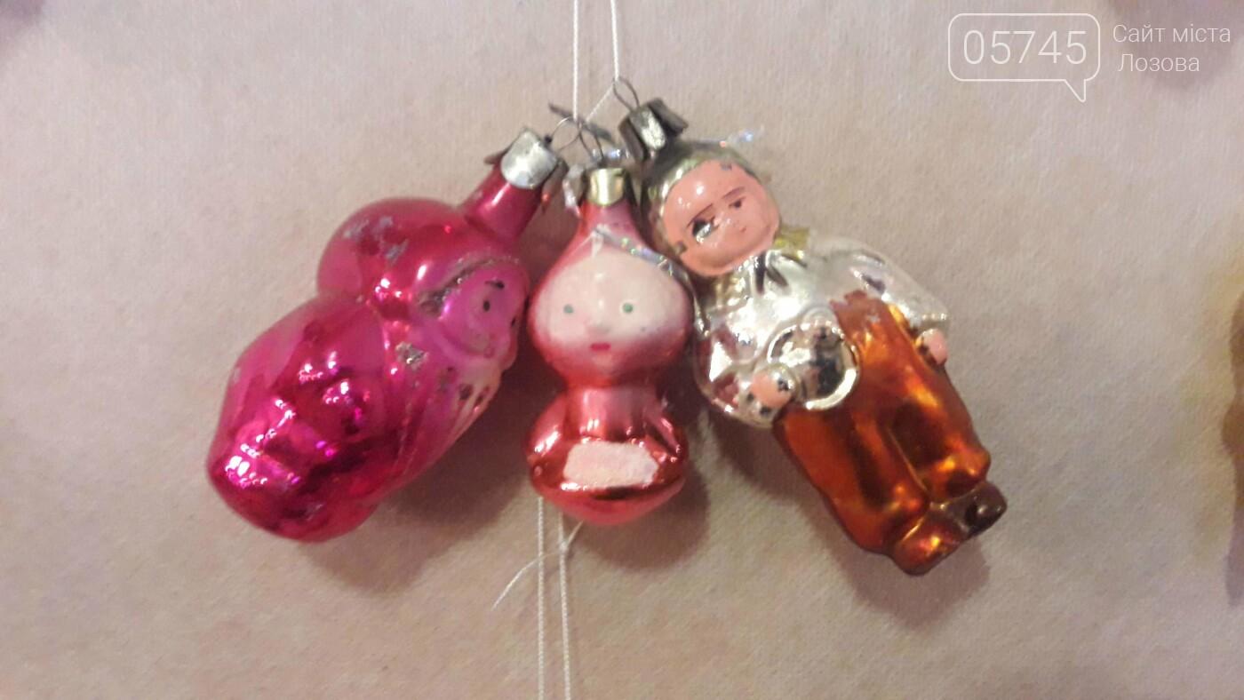 Новогодние игрушки из детства. В Лозовском музее работает выставка ёлочных украшений, фото-16