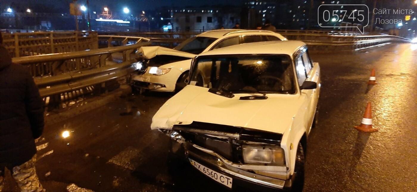 В Лозовой случилось ДТП прямо посреди переездного моста. (ФОТО), фото-3