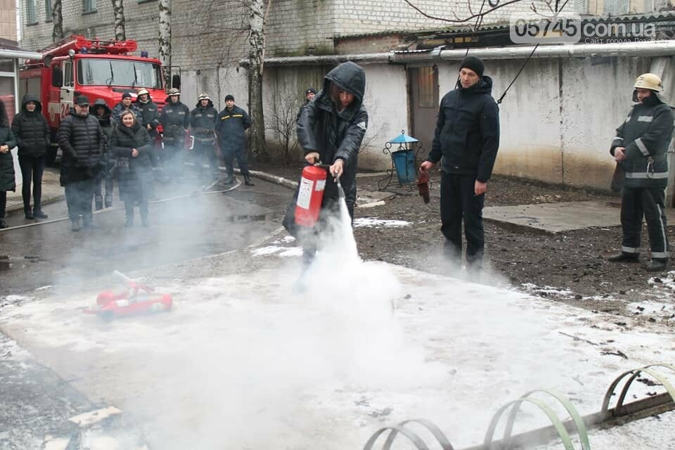 Лозовской суд эвакуировали из-за фиктивного пожара, фото-5