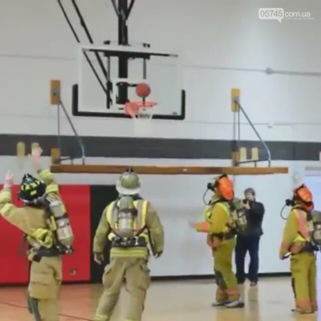 Проверка по-американски: лозовские спасатели креативно испытали дыхательные аппараты (Видео), фото-1