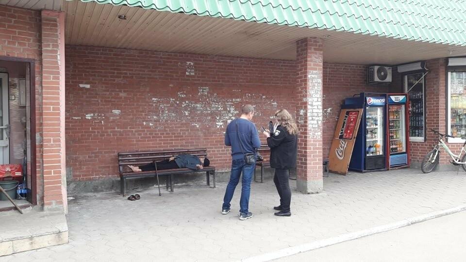 В центре Лозовой, на остановке, обнаружили труп мужчины , фото-2