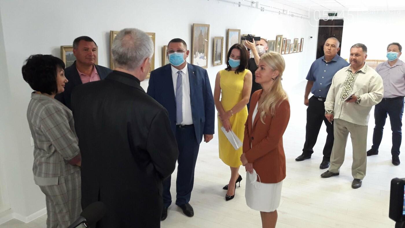 Открыли после ремонта: в Лозовском музее заработал выставочный зал, фото-31