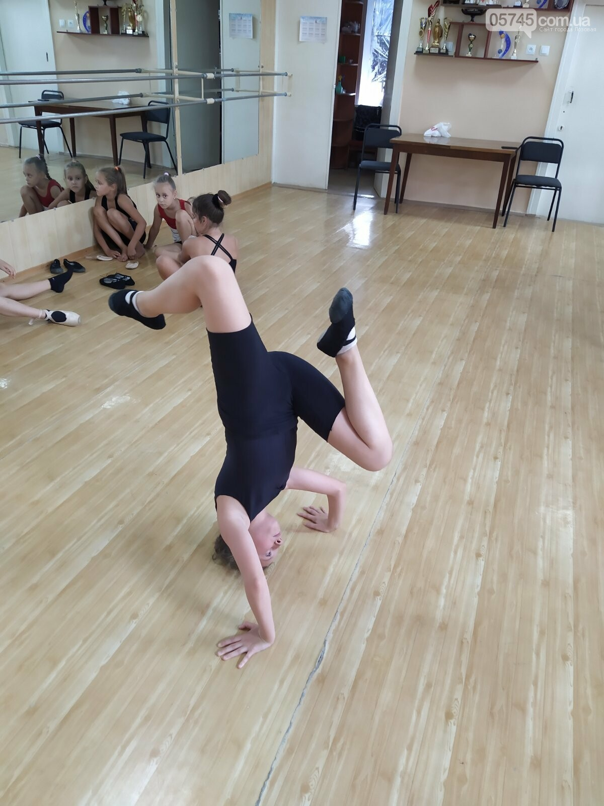 «Будет танцевать вся Лозовая»: обучение танцам в ансамбле «Графика», фото-5