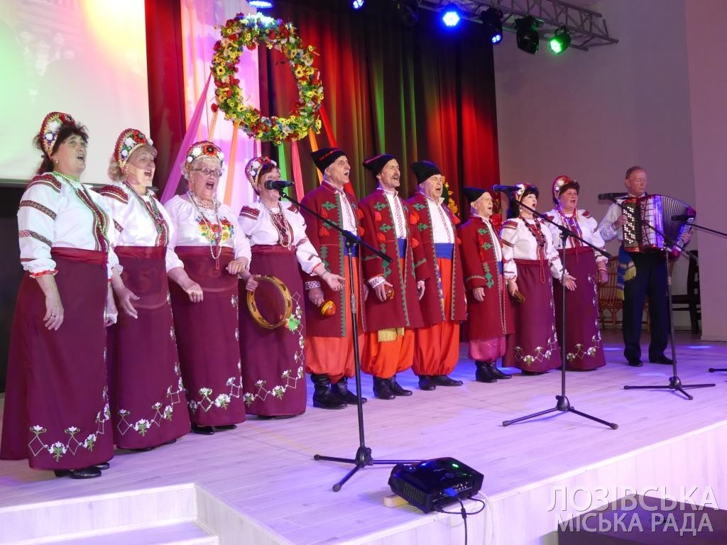 Ансамбль «Украиночка» получил 10 тыс. гривен от города на День рождения, фото-2