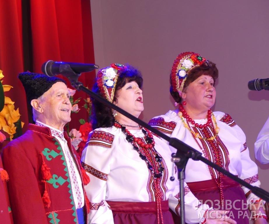Ансамбль «Украиночка» получил 10 тыс. гривен от города на День рождения, фото-4