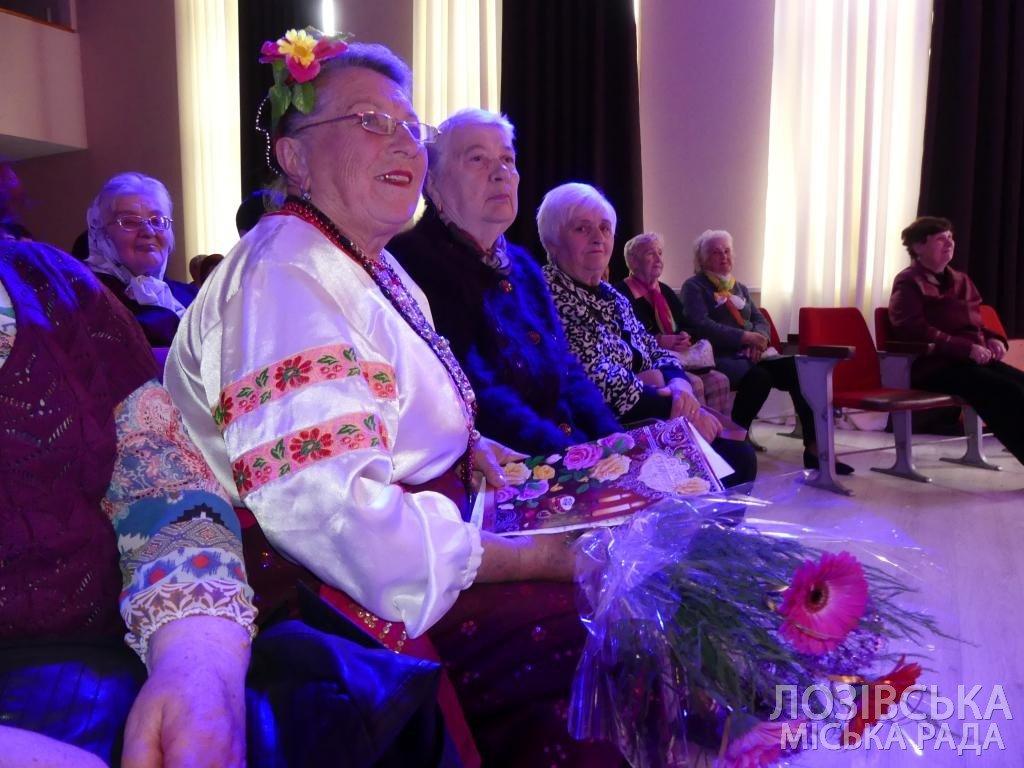 Ансамбль «Украиночка» получил 10 тыс. гривен от города на День рождения, фото-7