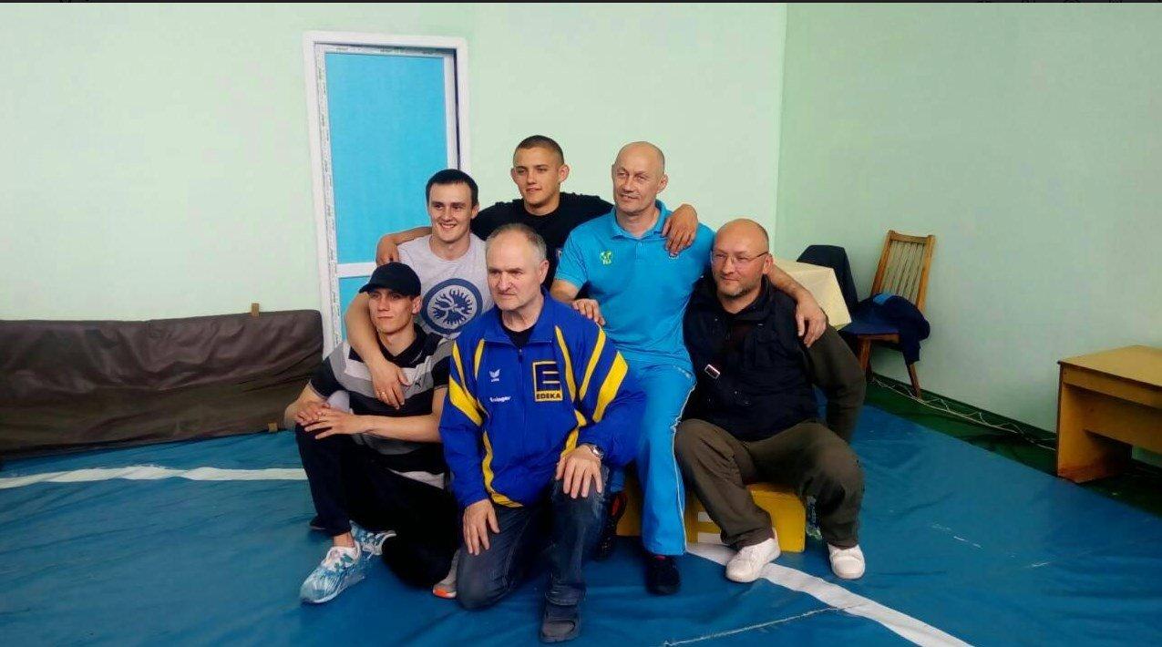 В Краснопавловке прошёл Чемпионат ДЮСШ по вольной борьбе, фото-1
