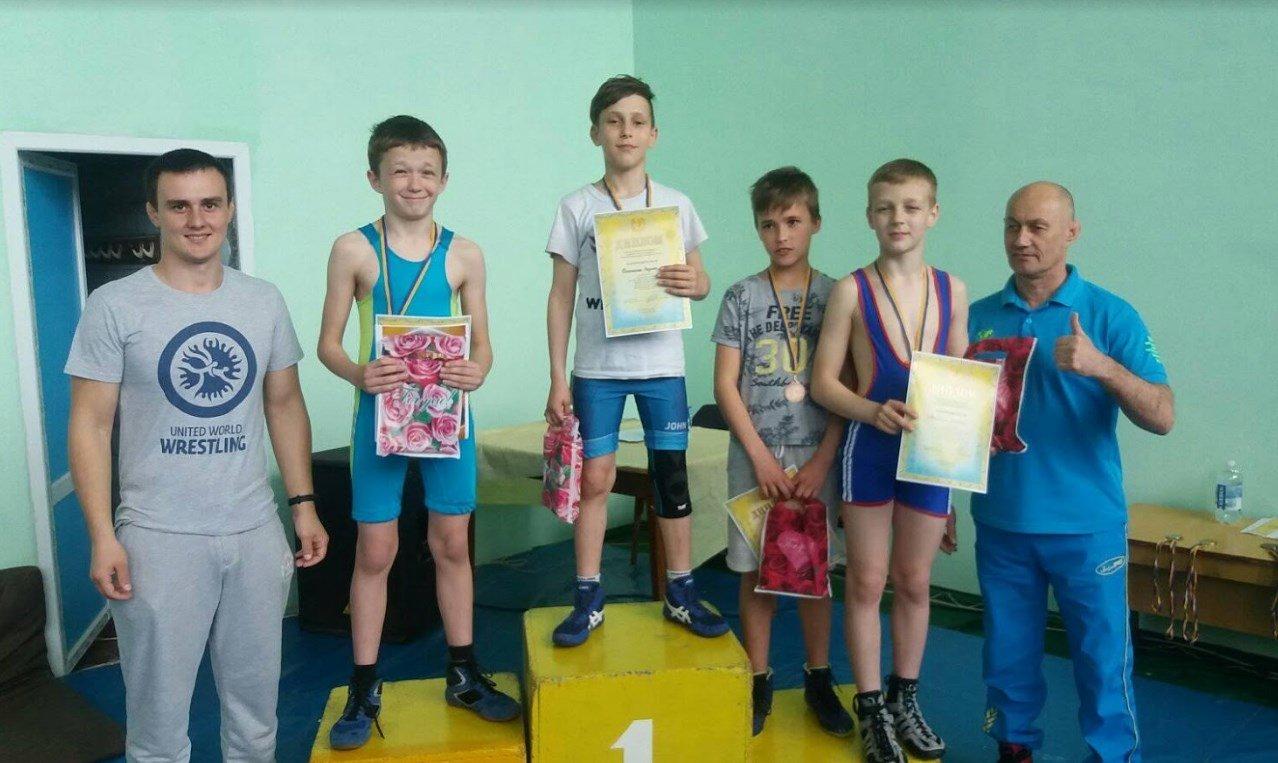 В Краснопавловке прошёл Чемпионат ДЮСШ по вольной борьбе, фото-2