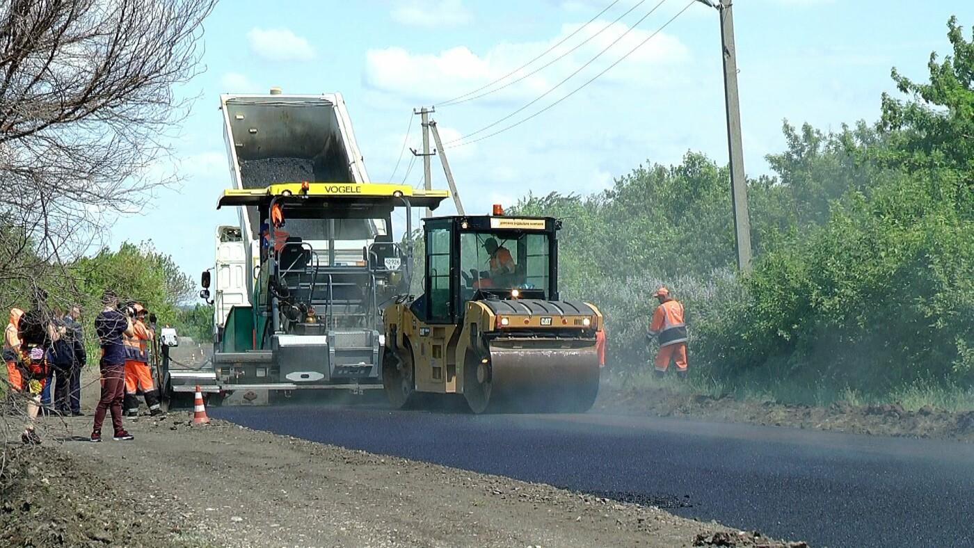 На Лозовщине идёт ремонт дороги Садовое-Катериновка, фото-3