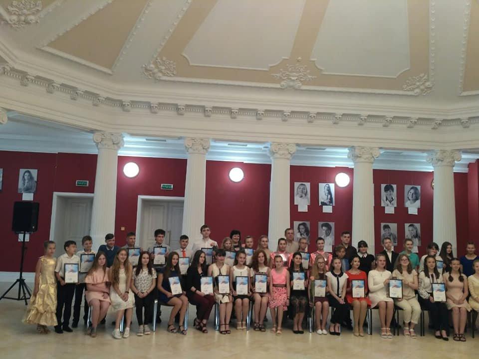 """Ученики школ искусств Лозовщины получили 6 стипендий """"Надії Слобожанщини"""", фото-4"""
