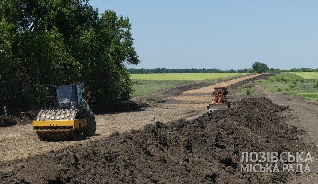 Строительство объездной дороги в Лозовой  планируют закончить к сентябрю, фото-3