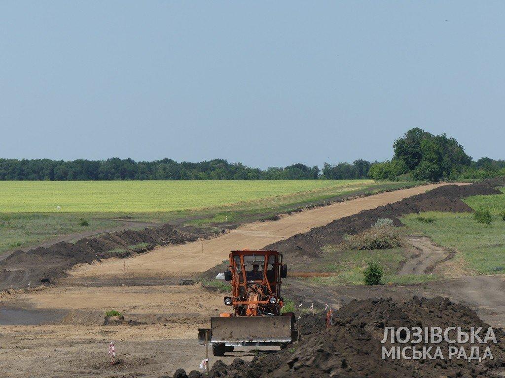 Строительство объездной дороги в Лозовой  планируют закончить к сентябрю, фото-4