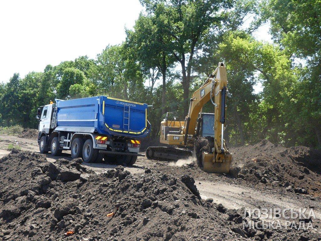 Строительство объездной дороги в Лозовой  планируют закончить к сентябрю, фото-1