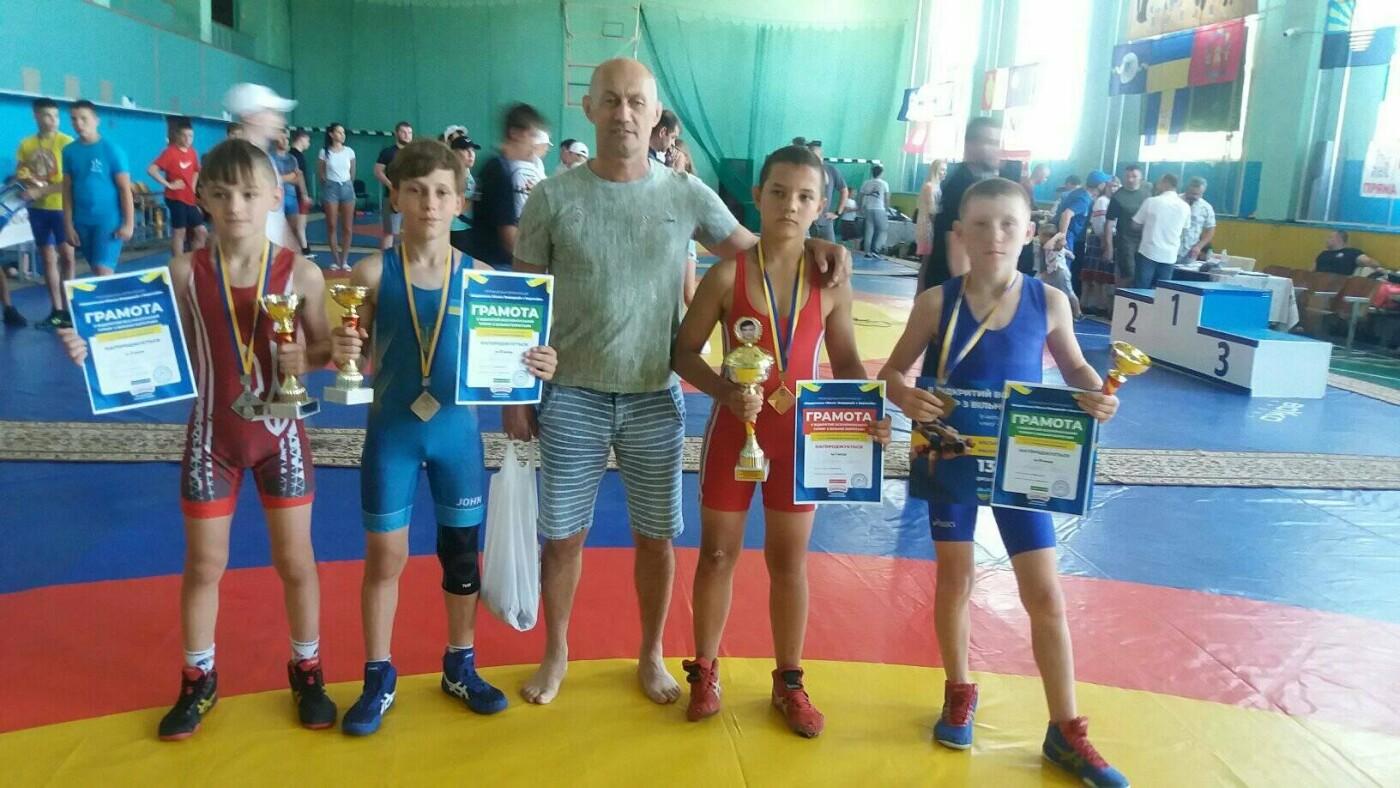 Лозовчане привезли из Бердянска призовые медали по вольной борьбе, фото-1