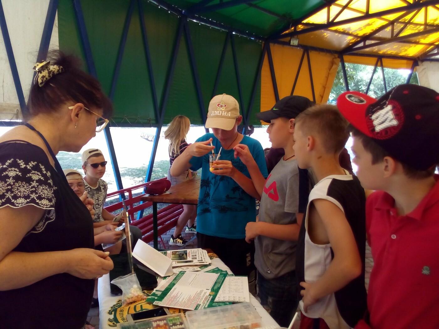 Игры, ребусы, мастер-классы. В Лозовой детей знакомили с миром профессий, фото-12