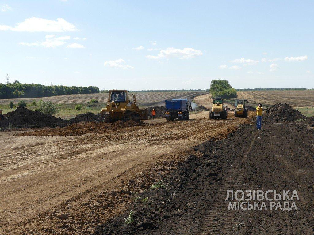 Для проверки хода строительства объездной дороги в Лозовую приезжала губернатор области Юлия Светличная, фото-6