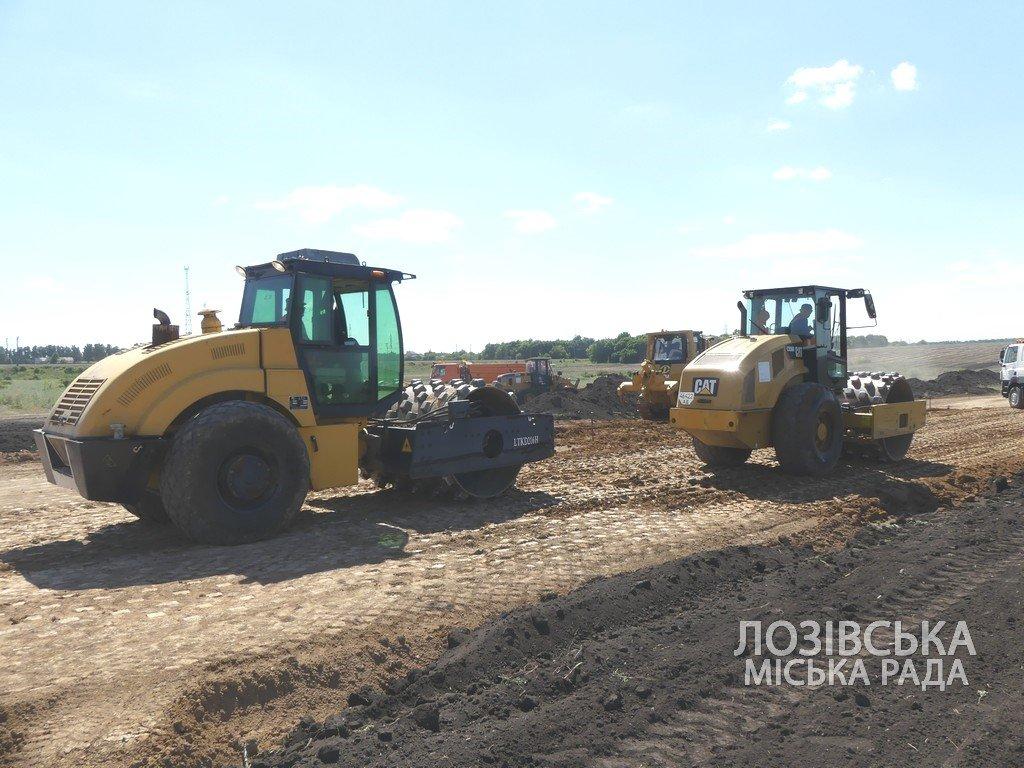 Для проверки хода строительства объездной дороги в Лозовую приезжала губернатор области Юлия Светличная, фото-5