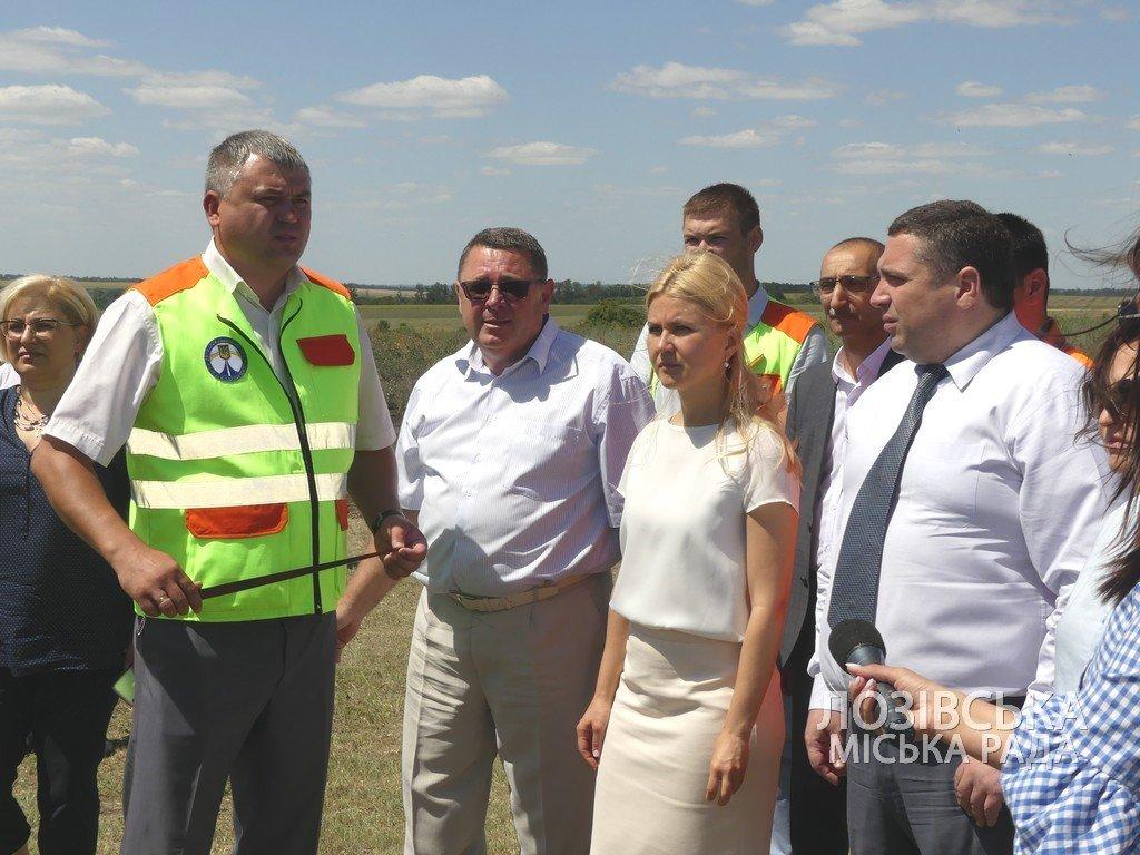 Для проверки хода строительства объездной дороги в Лозовую приезжала губернатор области Юлия Светличная, фото-12