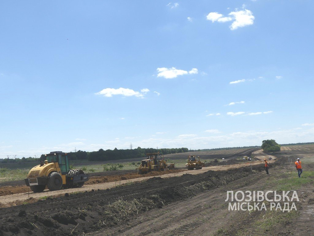 Для проверки хода строительства объездной дороги в Лозовую приезжала губернатор области Юлия Светличная, фото-13