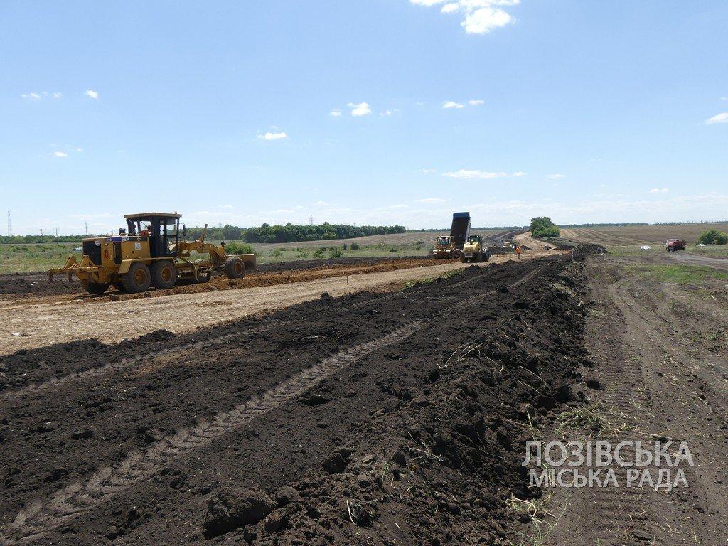 Для проверки хода строительства объездной дороги в Лозовую приезжала губернатор области Юлия Светличная, фото-15