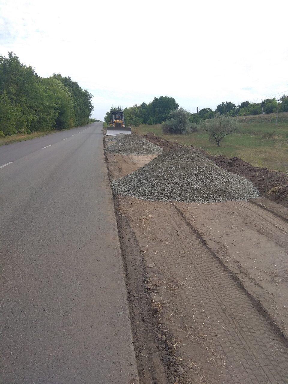 На трассе Мерефа-Лозовая-Павлоград, возле села Тарановка, обустраивают весовой комплекс, фото-4