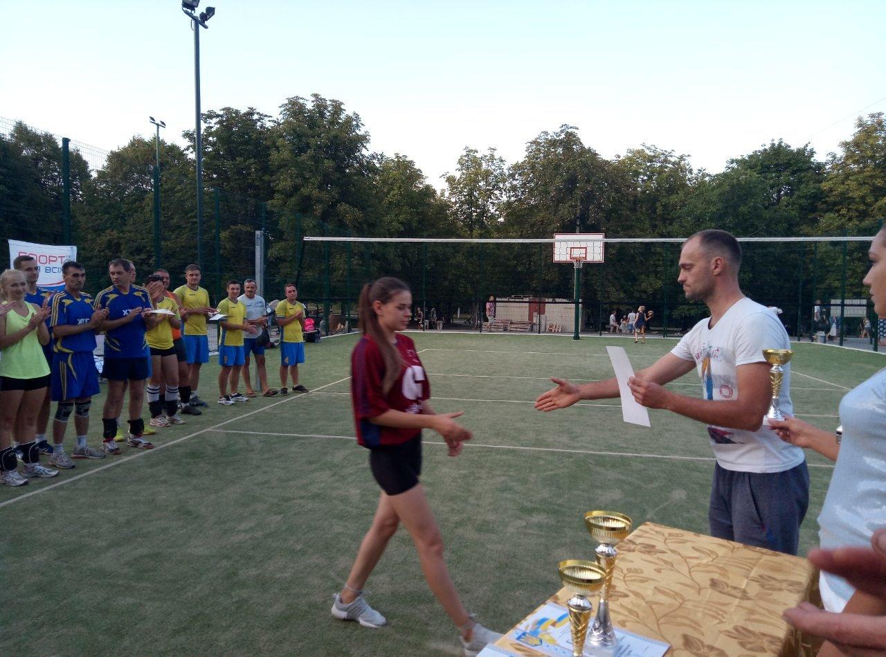 Волейболисты Лозовой на День Независимости состязались в Открытом турнире , фото-8