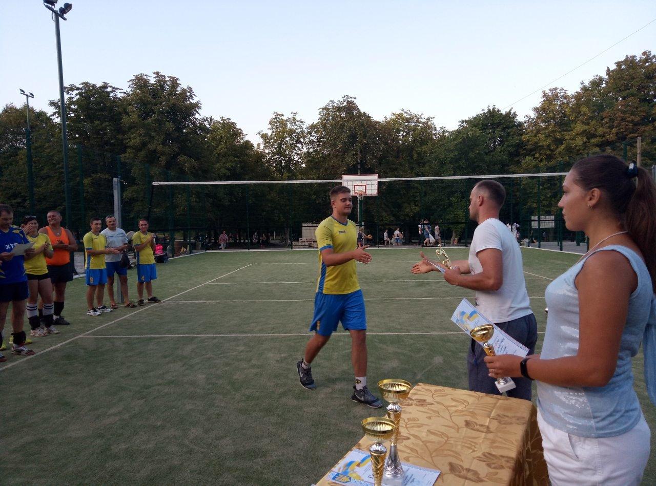 Волейболисты Лозовой на День Независимости состязались в Открытом турнире , фото-7