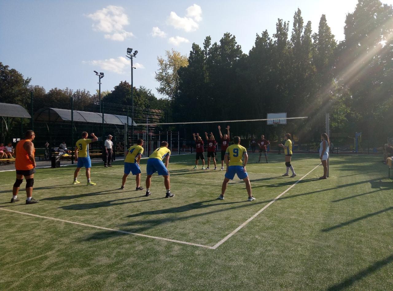 Волейболисты Лозовой на День Независимости состязались в Открытом турнире , фото-3