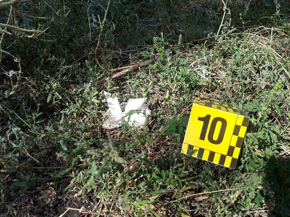 Зарезал и выкинул в мусор: в Лозовой задержали подозреваемого в убийстве 40-летней женщины, фото-1