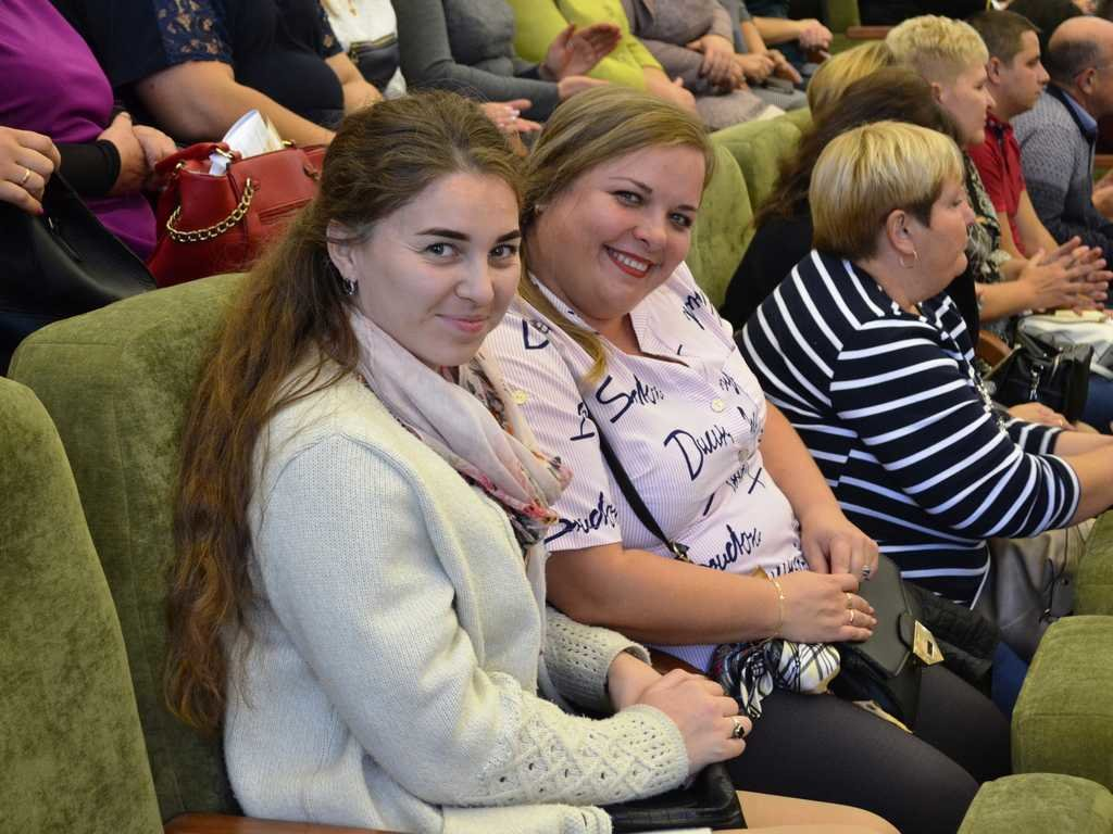 Лозовских работников сферы образования поздравили с профессиональным праздником, фото-6