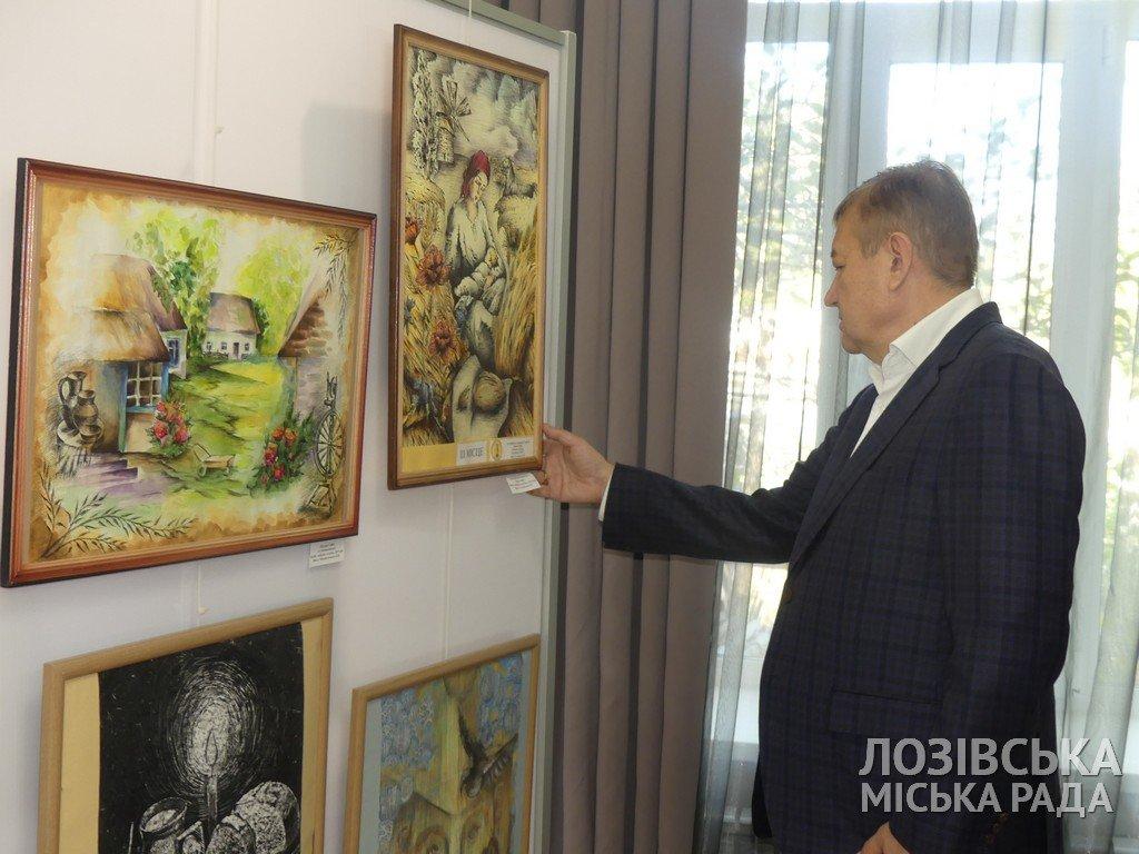 В Лозовской художественной школе торжественно открыли экспозиционный зал, фото-9