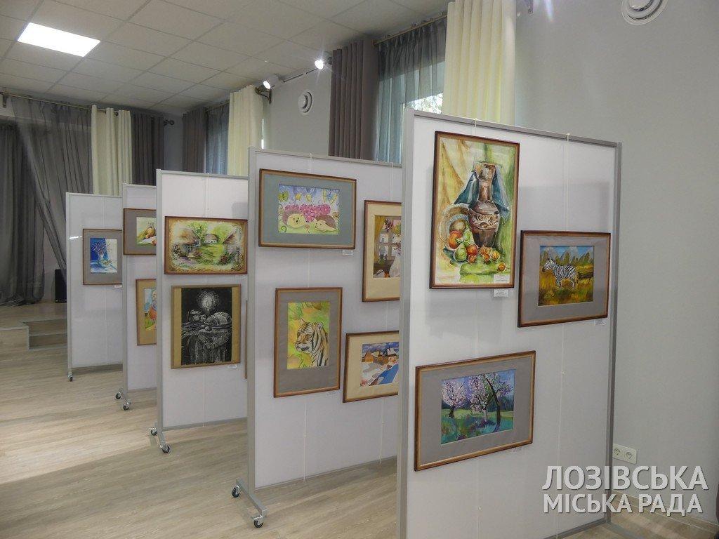 В Лозовской художественной школе торжественно открыли экспозиционный зал, фото-11