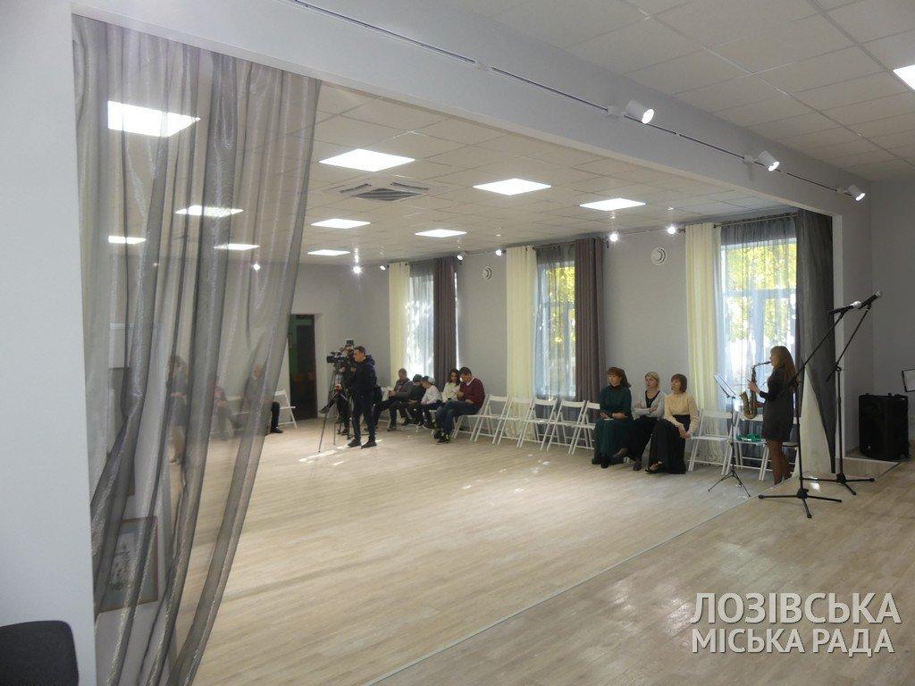 В Лозовской художественной школе торжественно открыли экспозиционный зал, фото-15