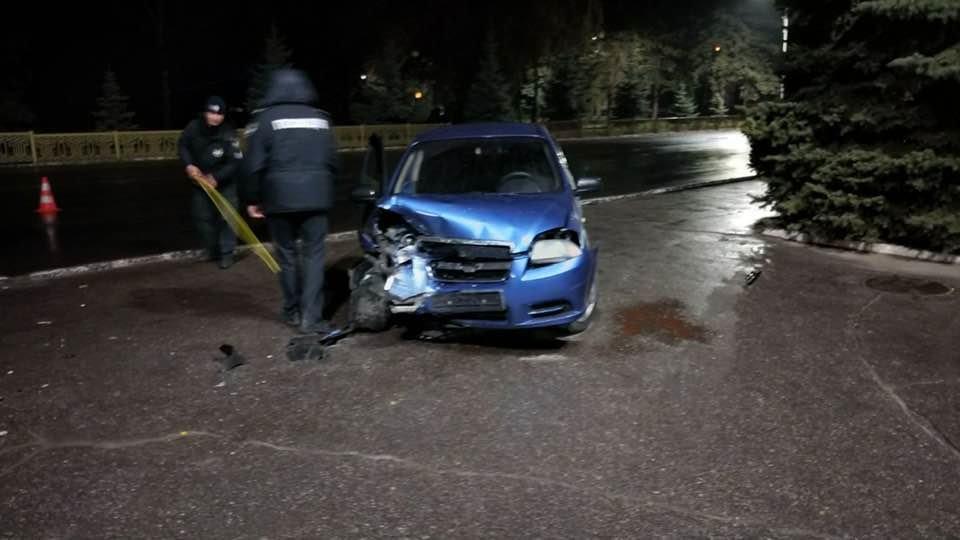 Под Лозовским горсоветом произошло  столкновение 2 автомобилей. Есть пострадавшие (Видео), фото-5