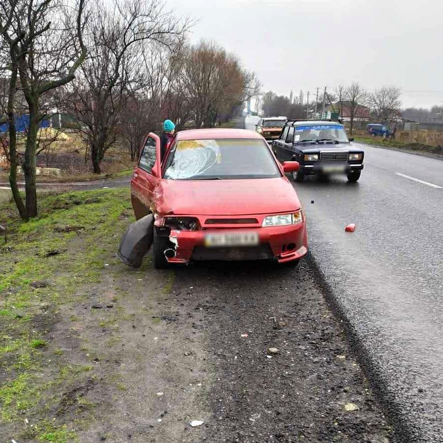 В Краснопавловке на Лозовщине автомобиль насмерть сбил велосипедиста, фото-1