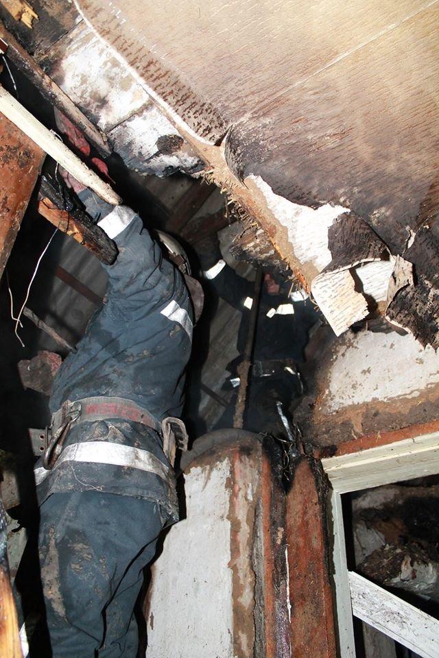 В селе Светловщина на Лозовщине горел дом, фото-2