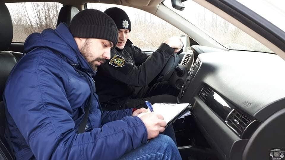 На лозовских журналистов напали и повредили технику, фото-2