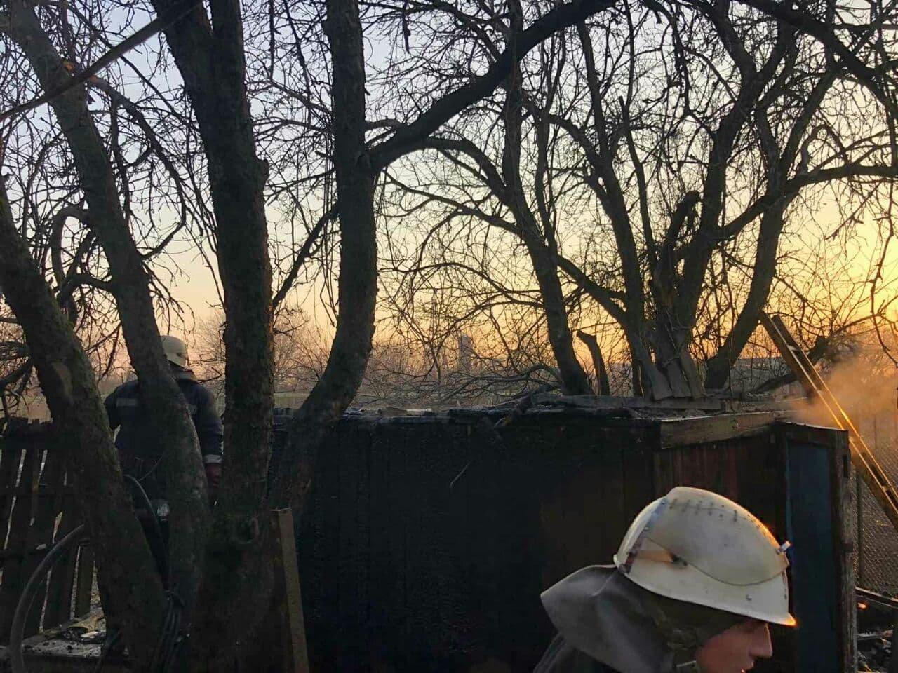 В Панютино загорелась деревянная хозпостройка, фото-5