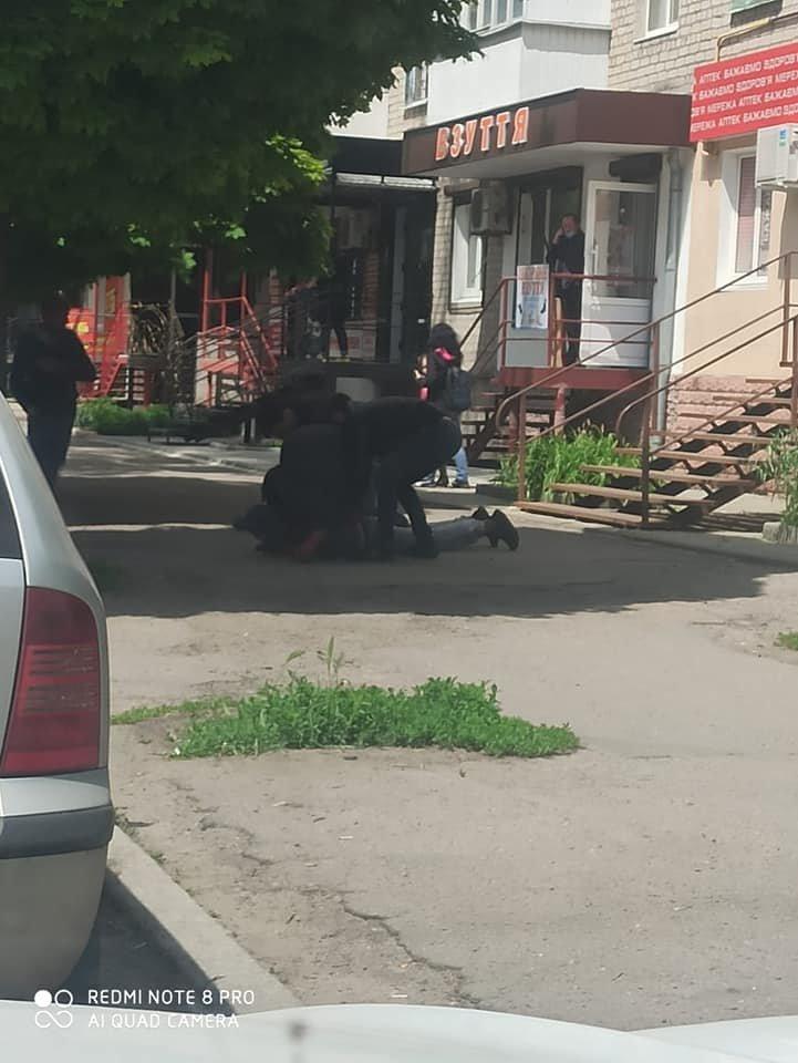 В Лозовой задержали продавца боевых гранат, фото-2