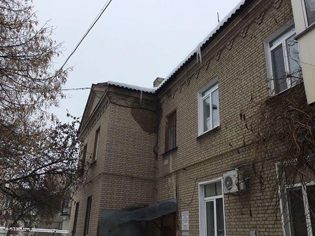 Квартира лозовских пенсионеров цветет из-за дырявой крыши, фото-1