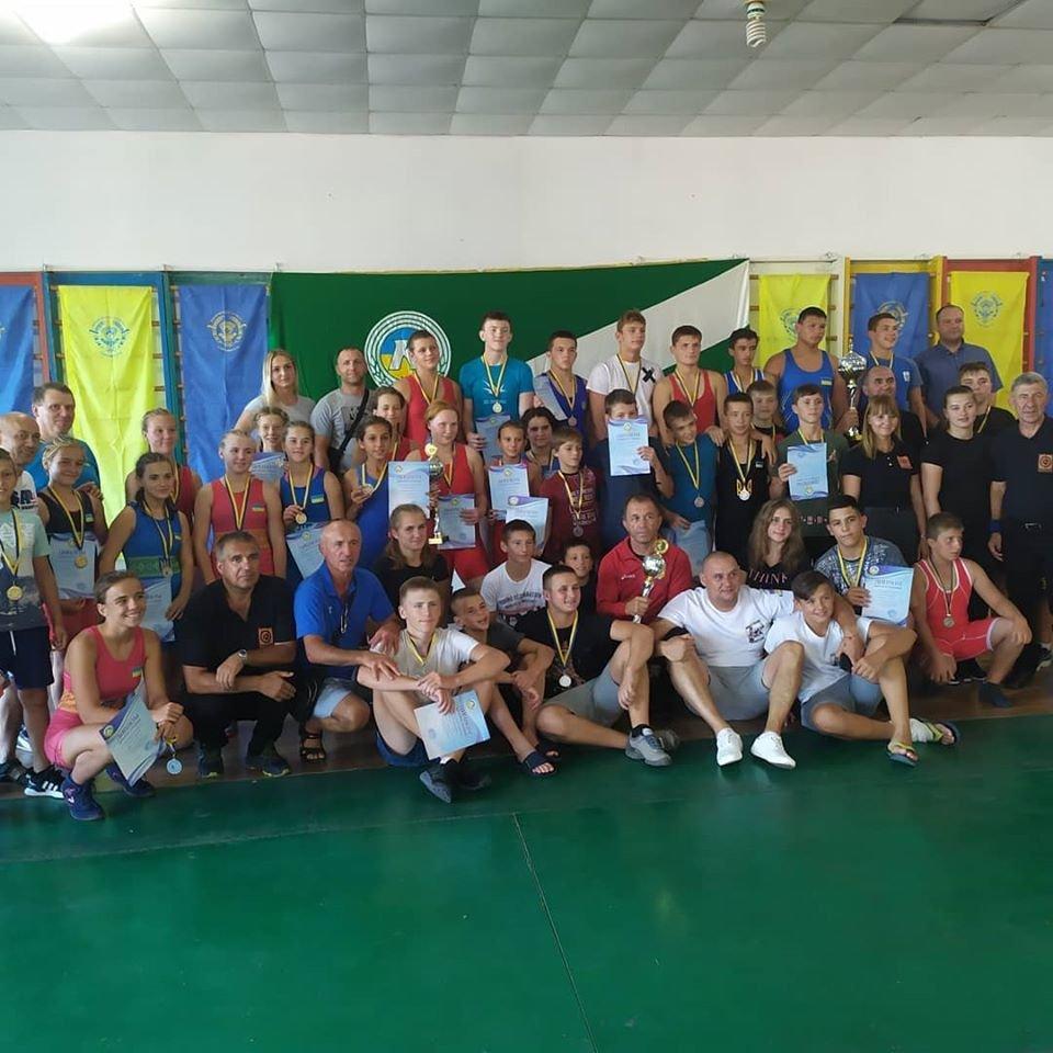 Семейная победа борцов: лозовские спортсмены стали чемпионами в Скадовске, фото-4