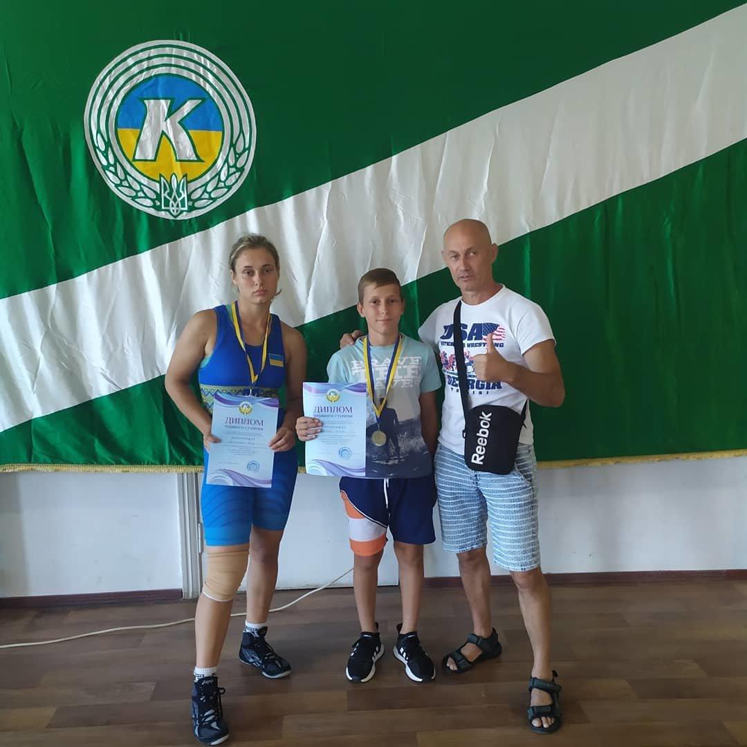 Семейная победа борцов: лозовские спортсмены стали чемпионами в Скадовске, фото-1